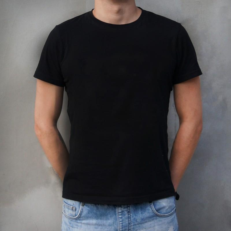 Черная мужская футболка (без нанесения)